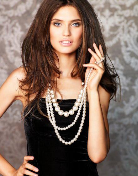 жемчужное ожерелье - украшение к платью